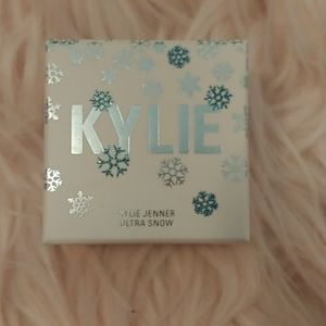 💗NWT Kylie Cosmetic Merry Bright